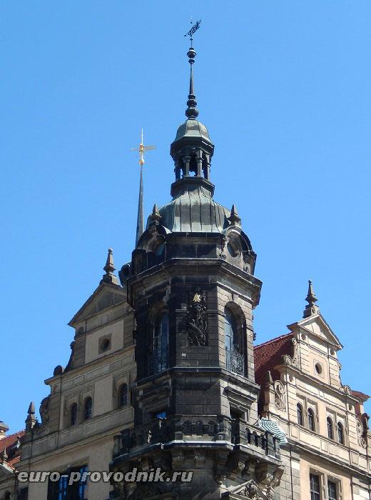 Западная башня