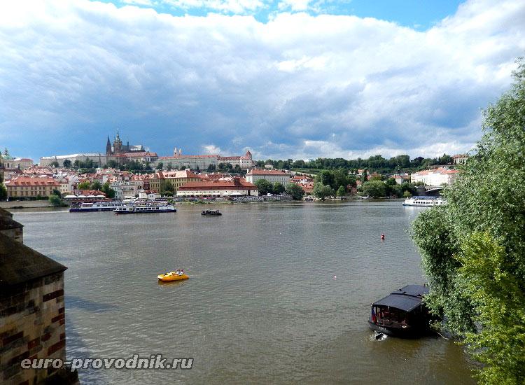 Влтава в центре Праги