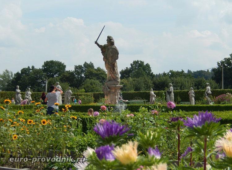 Скульптурное оформление сада