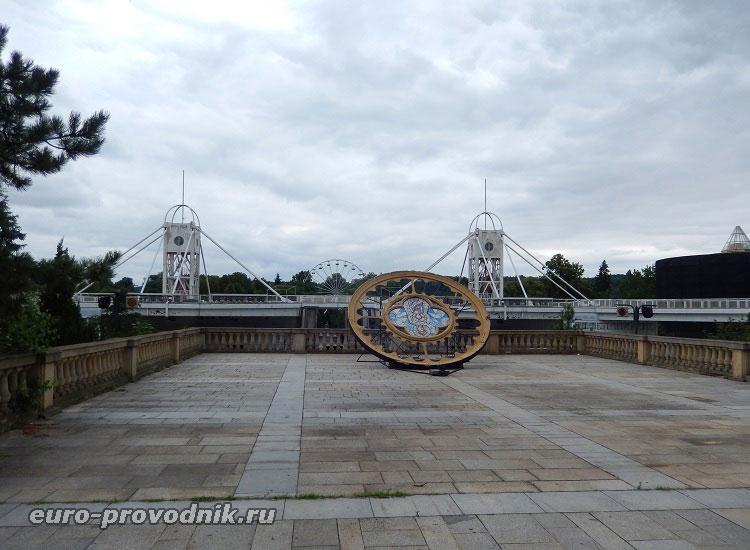 Здесь расположены Кржижиковы фонтаны