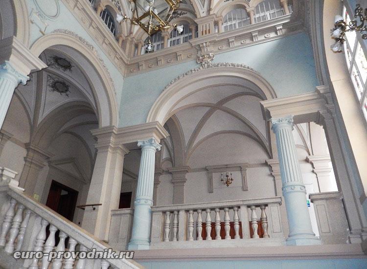 Интерьер ратуши в городе Фридлант