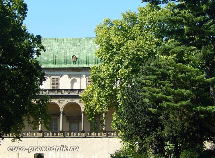 Вид Летоградека из Хотковых садов