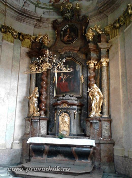 В соборе Св. Микулаша