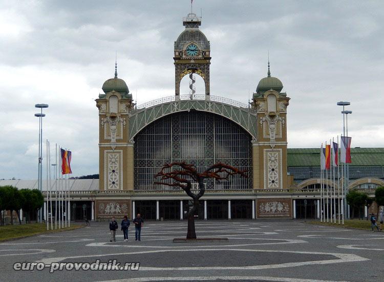 Промышленный дворец в Праге