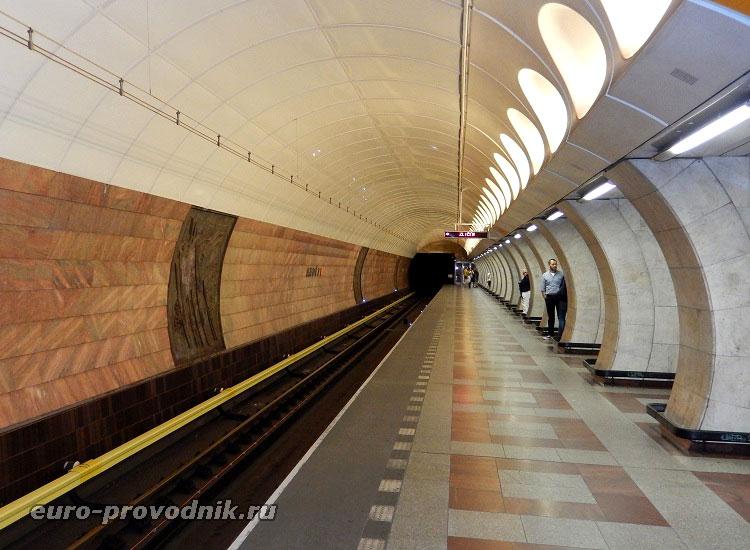 Платформа станции метро Ангел