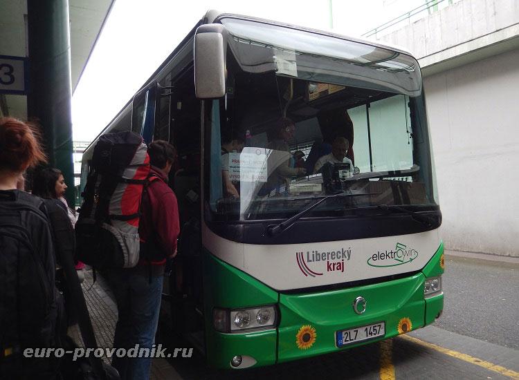 Автобус, следующий в Чешский рай