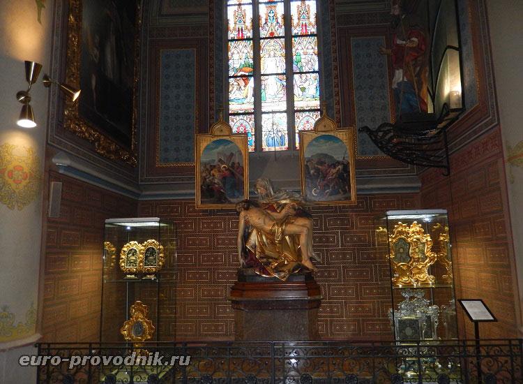 Пьета в капелле Девы Марии