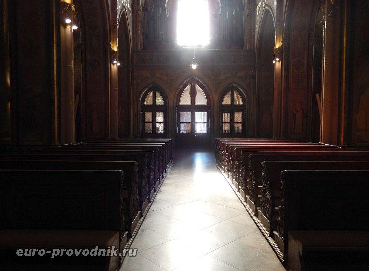 В соборе Петра и Павла
