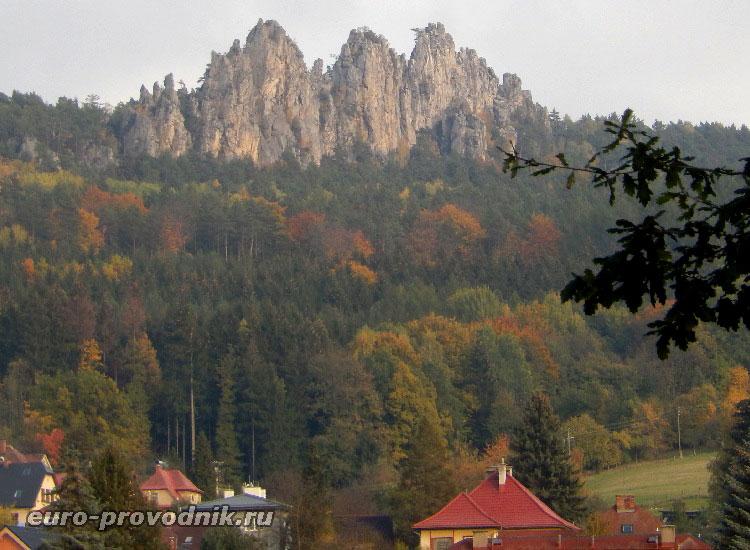 Сухие скалы в географическом парке Чехии