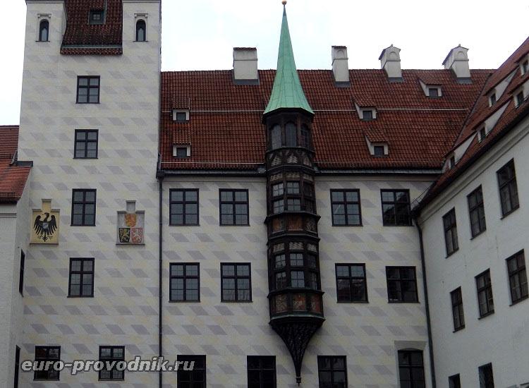 Башня и эркер Старого двора
