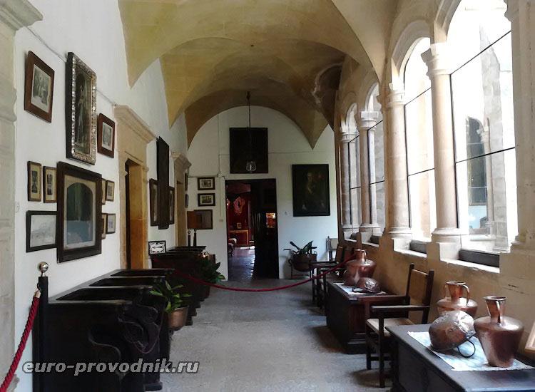Галереи дворца короля Санчо