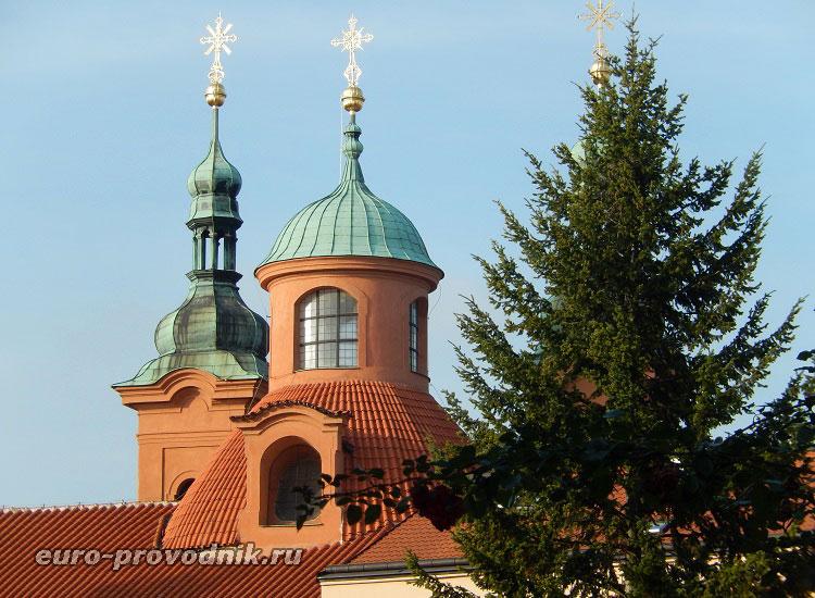 Купола собора св. Лаврентия в Праге