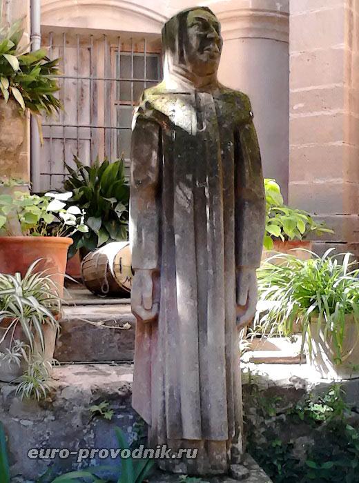 Статуя в Картезианском монастыре