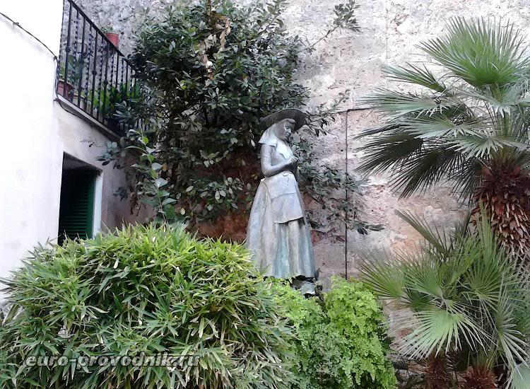 Скульптура св. Каталины