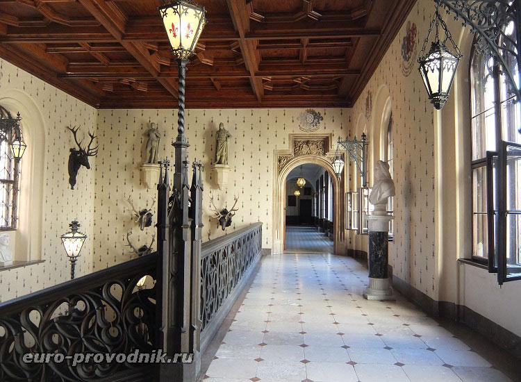 Интерьер замка Сихров