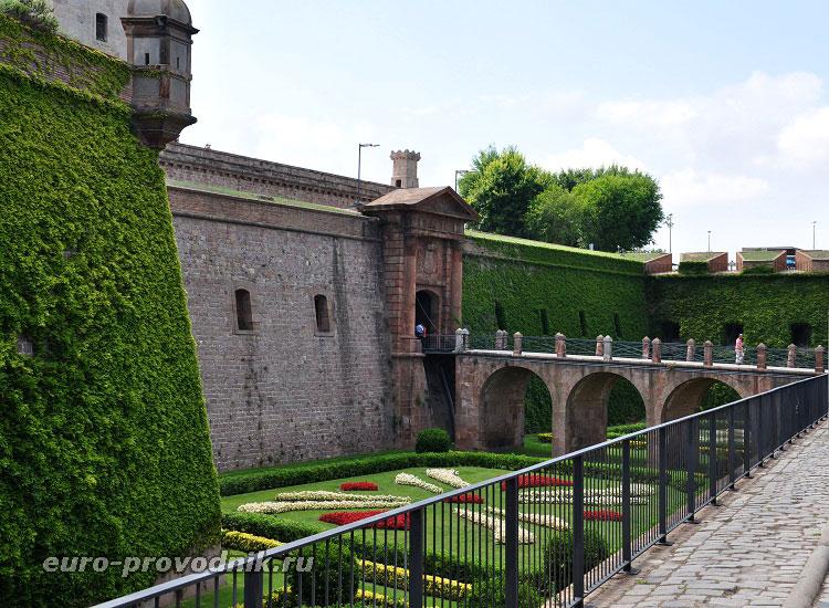 Вид крепости Монжуик
