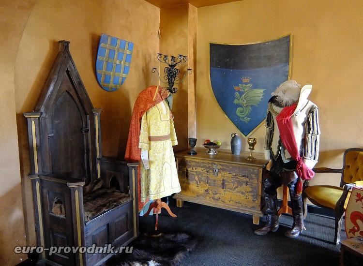Экспозиция в замковой галерее