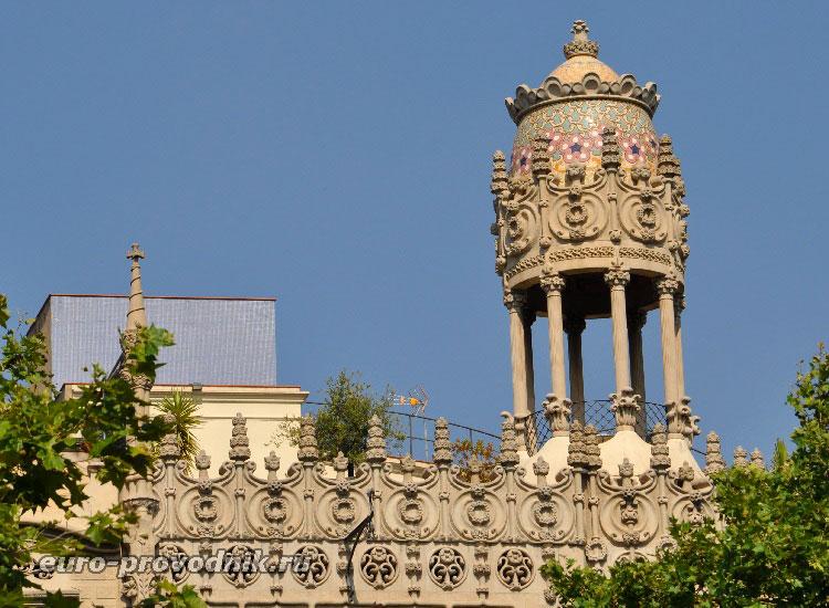 "Декор в ""квартале раздора"" в Барселоне"
