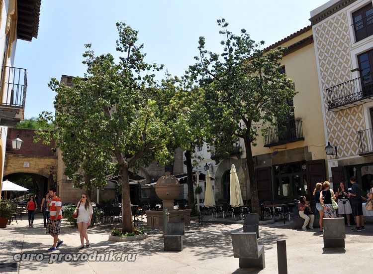 Площадь в Poble Espanyol