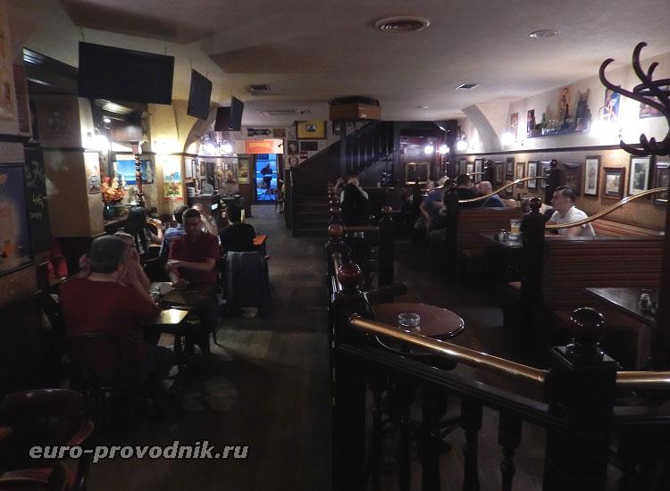 В кафе Толстая Коала