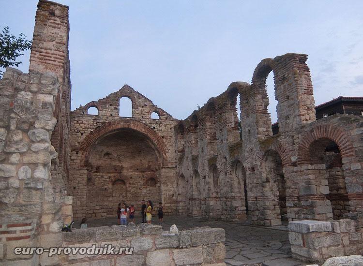 Руины церкви Св. Софии