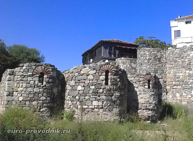 Крепостные развалины Созополя