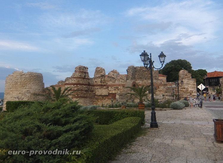 Защитные стены Несебра