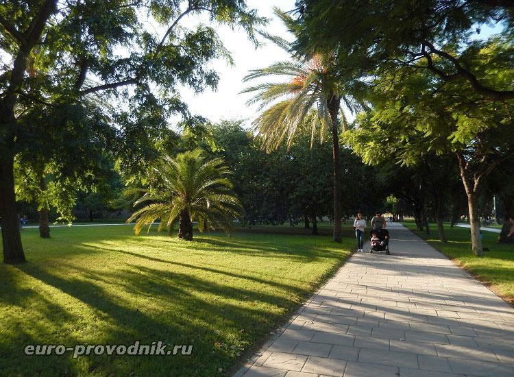 Сады в русле реки Турия