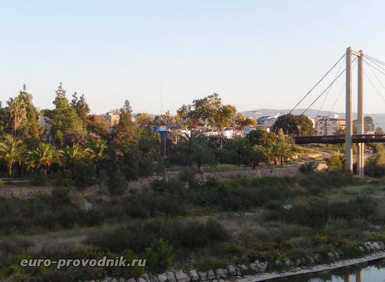 Мост и парк отдыха