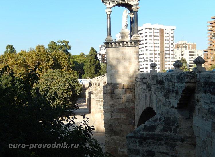 Готический мост короля