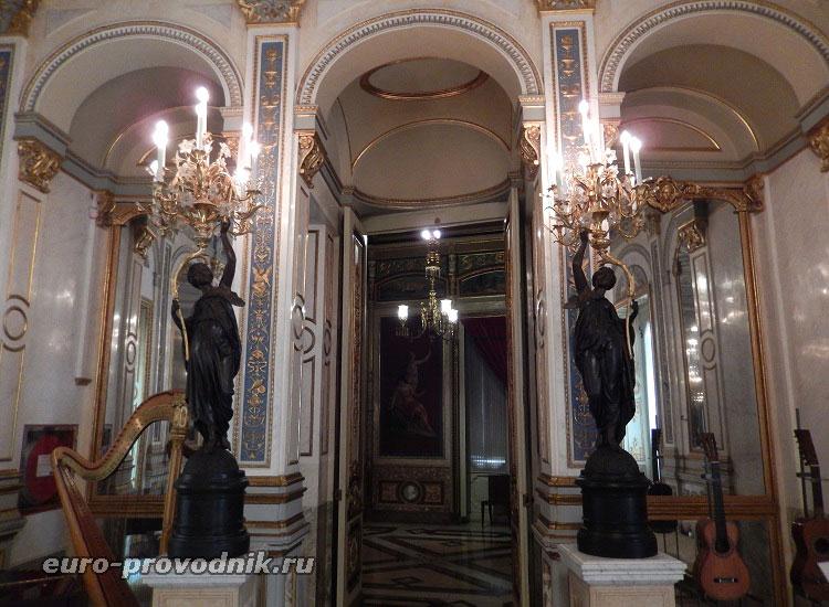 Дворец-музей в Валенсии