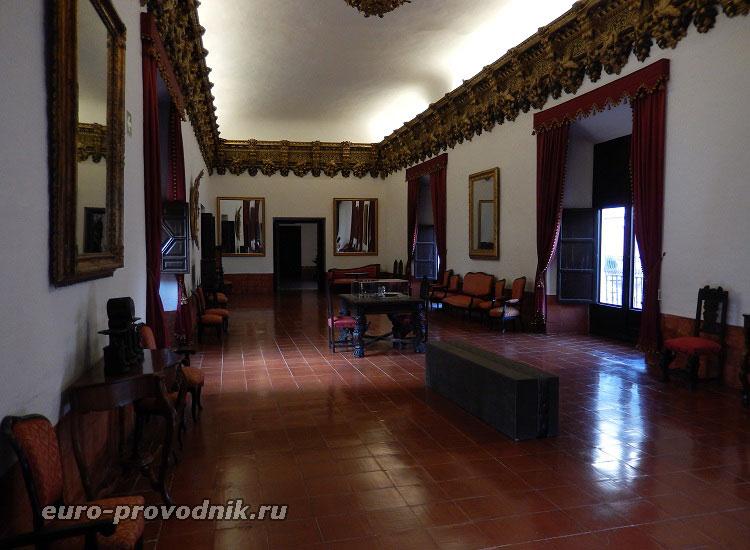 Салон Орлов во дворце