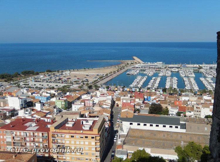 Порт и море