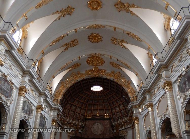 В храме Св. Мартина
