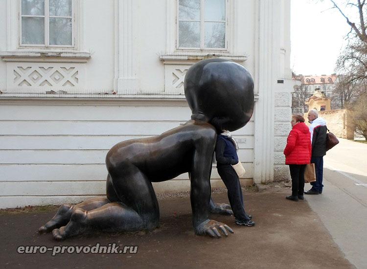 """""""Младенец"""", скульптор Д.Черны"""