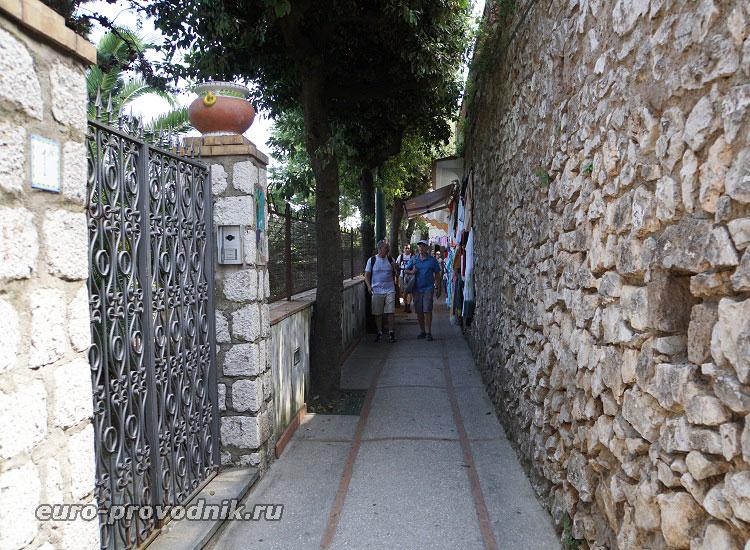 По улицам Анакапри