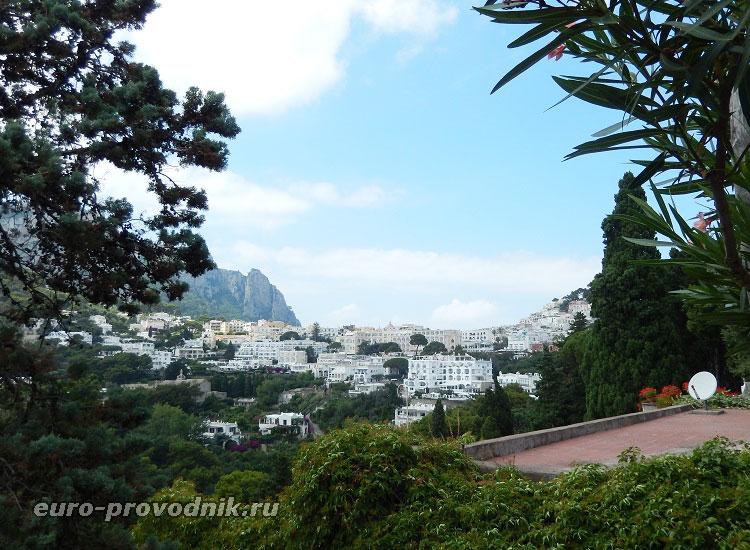 Вид на город Капри