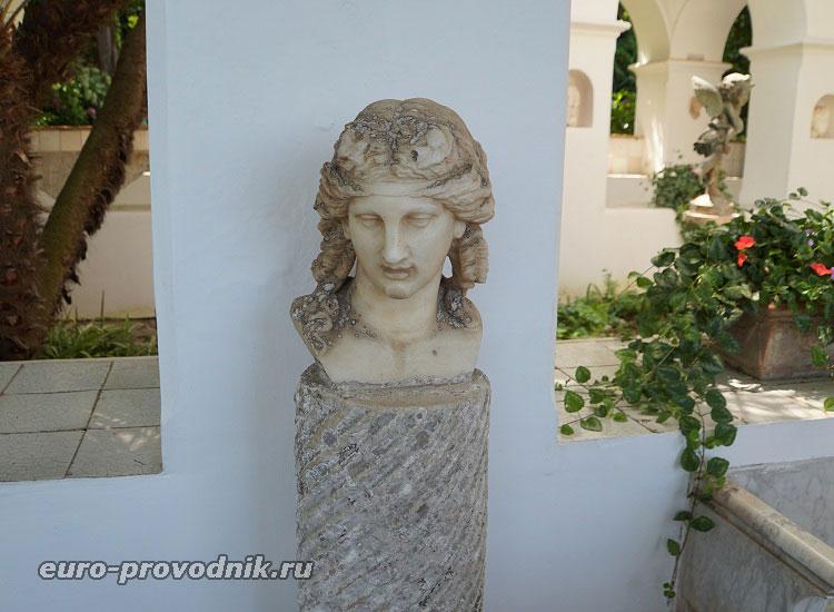 Скульптуры галереи