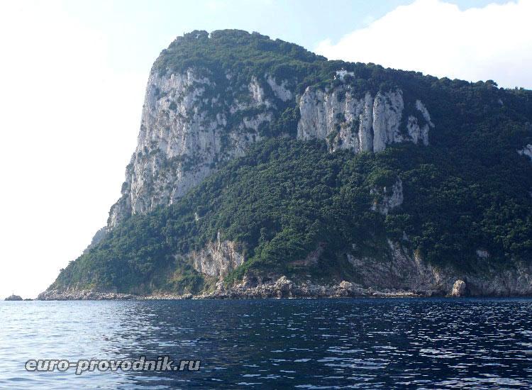Скала острова Капри