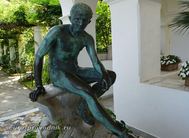 Скульптуры из коллекции А.Мунте