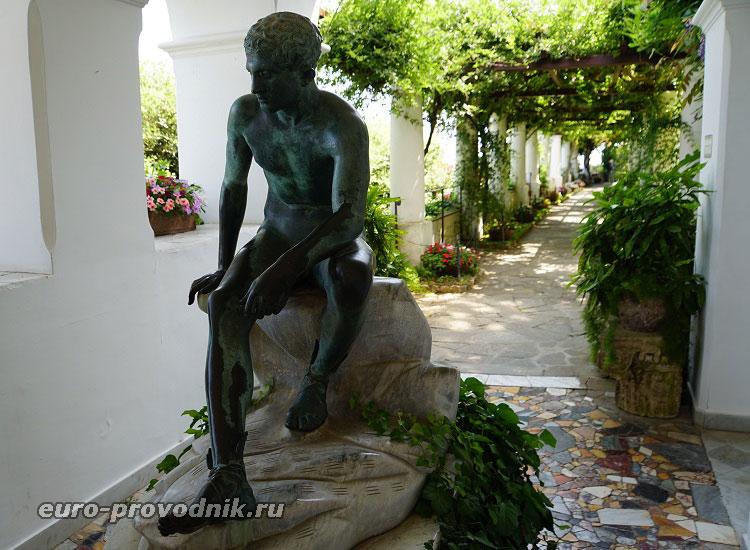 Скульптуры на вилле Сан Микеле