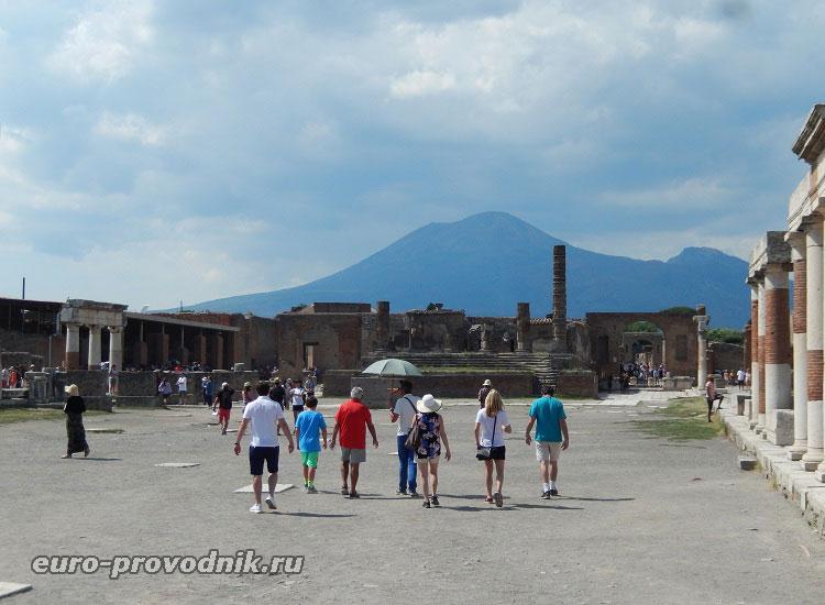 Близость Помпеев к вулкану