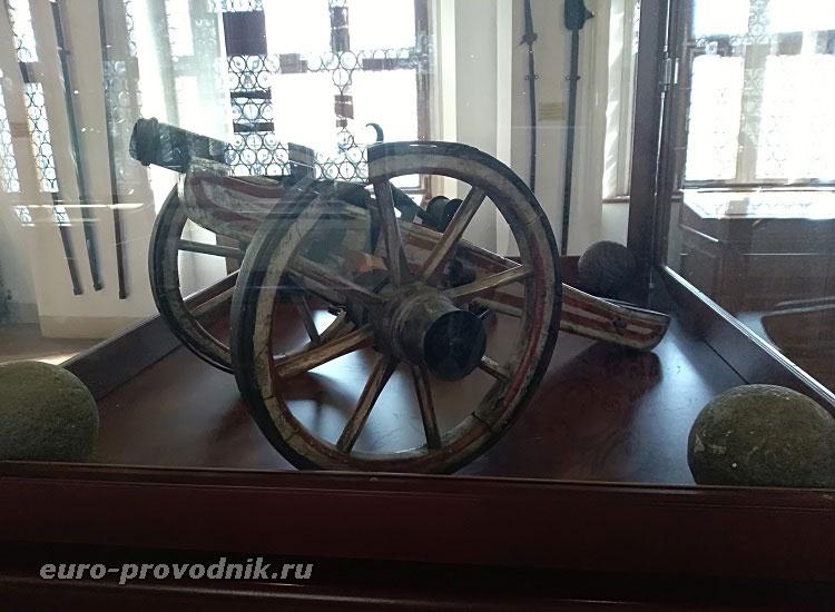 Экспонат оружейного зала