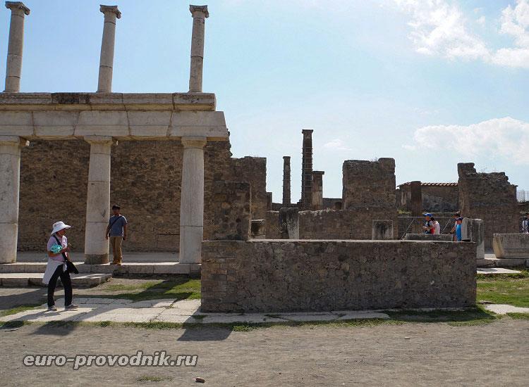 Помпеи: раскопки