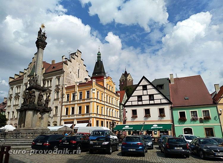 чумной столб на главной площади