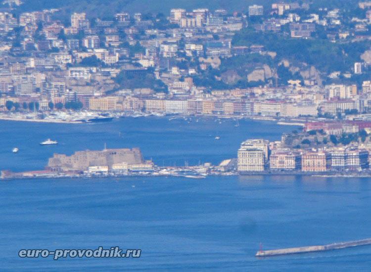 Кастель дель Ово в Неаполе