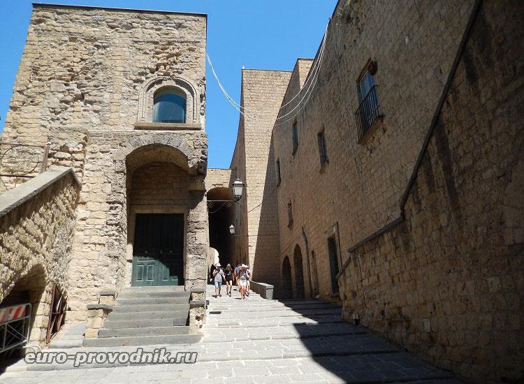 В крепости дель Ово
