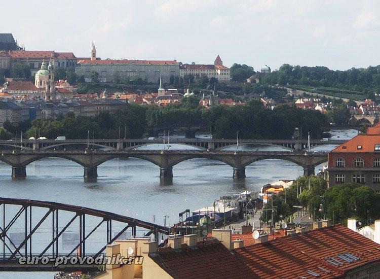 Набережная Наплавка между мостами