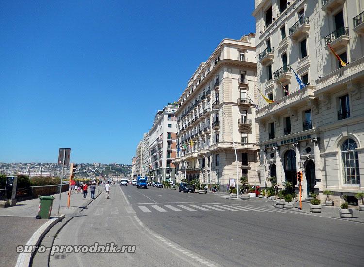 Лента Неаполитанской набережной