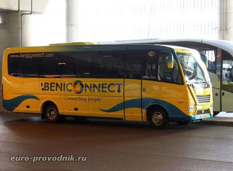 Автобус компании Beniconnect